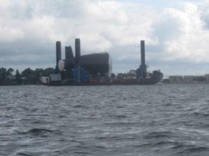 Upper East River, Barge.